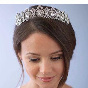 Beautiful tiara crown prom weddings pageant